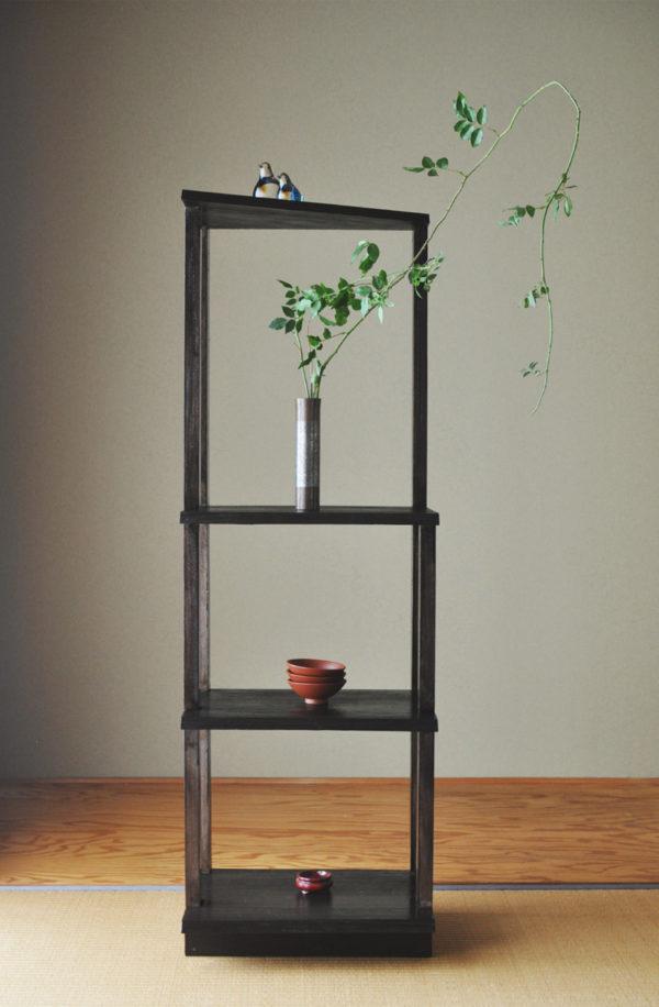 オリジナル家具である桐の棚のデザイン