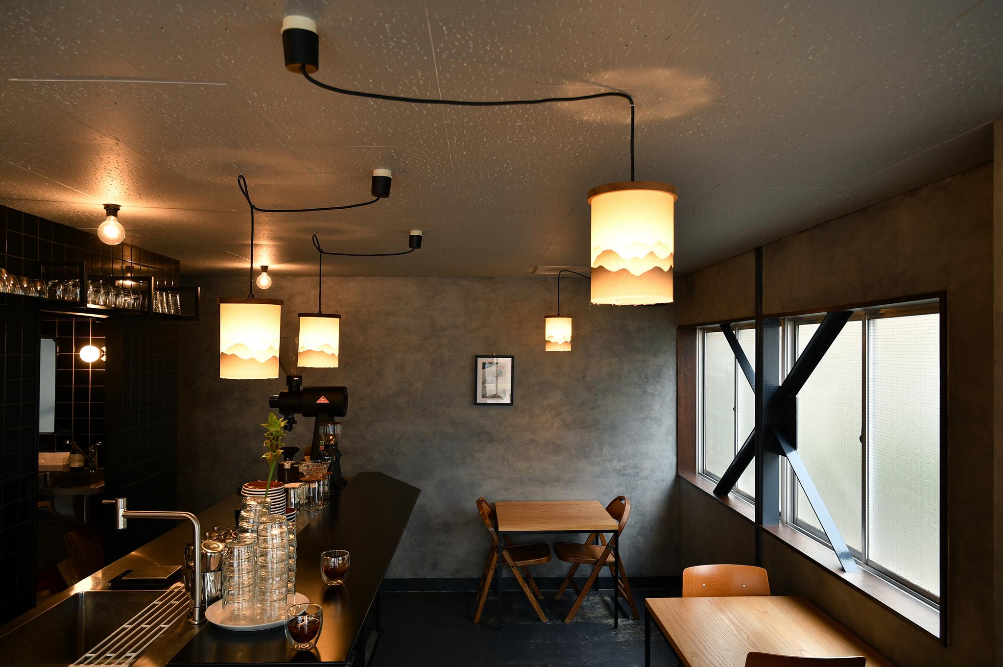 和紙のペンダントライト yamayama 空間 coffee table
